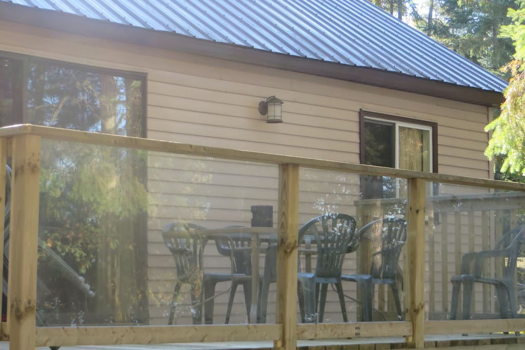 Great deck with propane barbecue and patio furniture