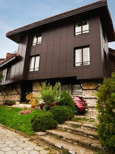 Entire 3-bedroom 3-floor house in Nesebar Old Town