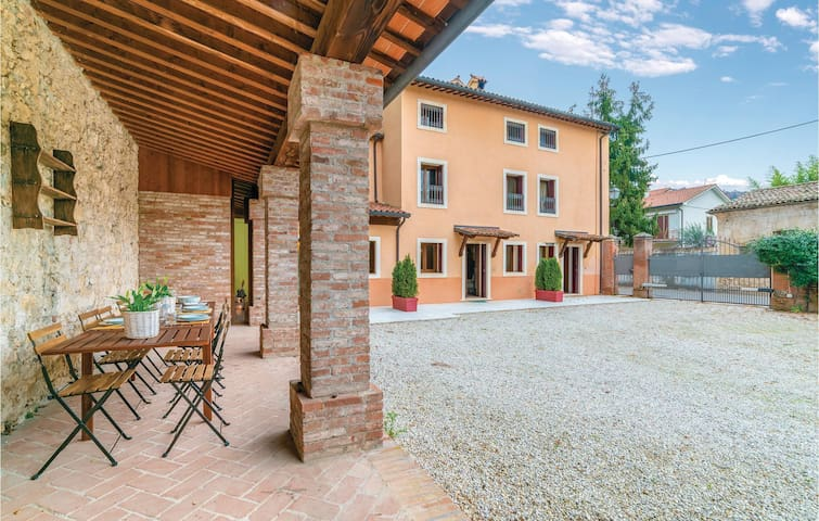 Terraced house with 4 bedrooms on 110m² in Castelgomberto (VI)