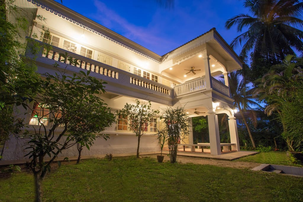 Beautiful Villa in colonial style only 3-5 minutes walking distance [about 350meters] to the beachๅ