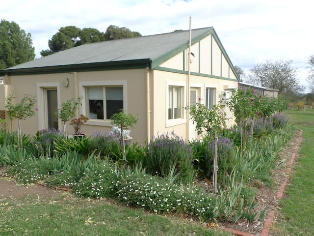 Strathlyn Lemon Tree Spa  Barossa - Angaston - Apartment
