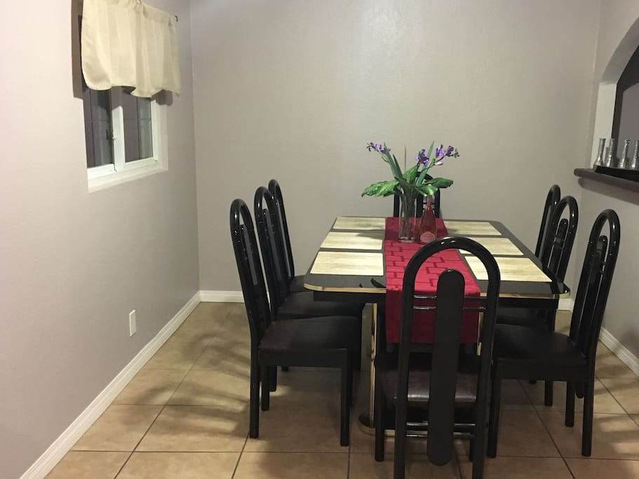 Dining room for 8 guests