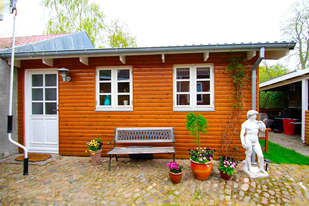 Guest house in the garden appartements louer odder jutland central danemark - The jutland small house ...