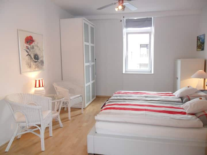 Condo-close to historic centre