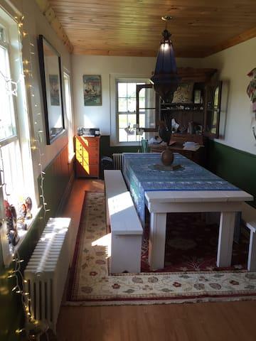 Peaceful & Cozy Farmhouse Near Jay Peak & Sutton