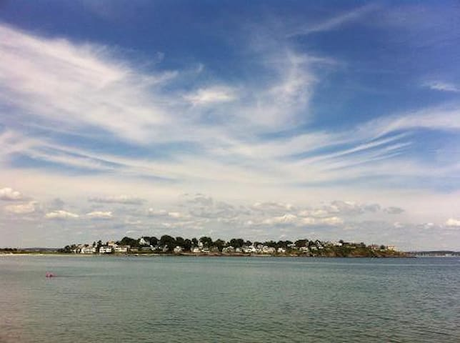 Island Living with City Views IV - Nahant - Bed & Breakfast