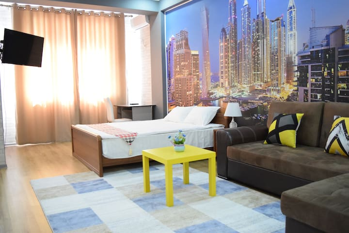 Studio boutique apartment(wi-fi /center/ security)