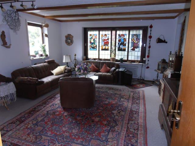 gemütliche Wohnung im Voralpenland - Peißenberg - Apartemen