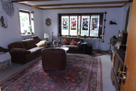 gemütliche Wohnung im Voralpenland - Peißenberg - Διαμέρισμα
