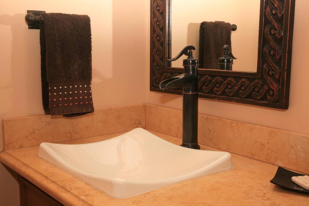 guest room bathroom sinks