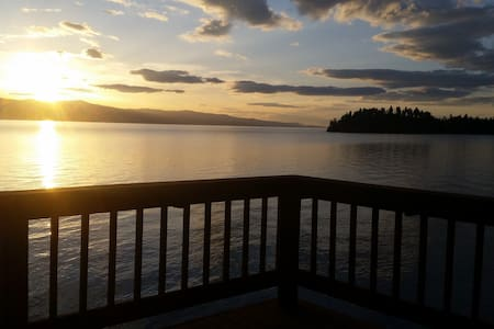 Flathead Lake Getaway - Bigfork - Cabin