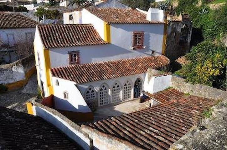 Beautiful house in a real castle - Óbidos - Dom
