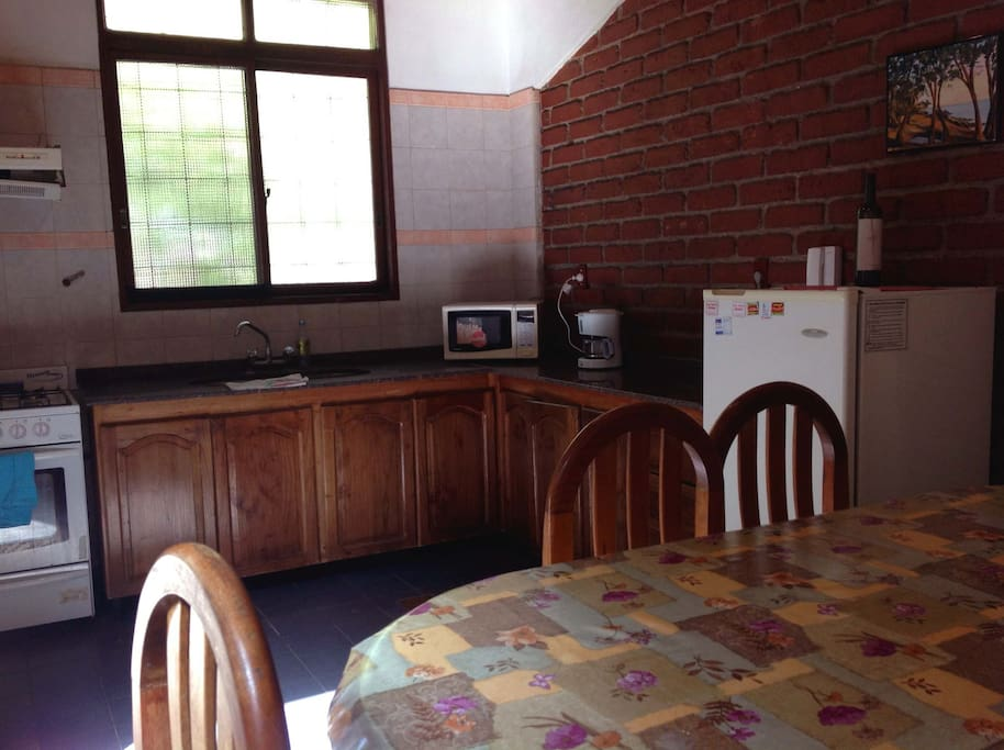 Kitchen - timber and granite furnishings, well-equipped, cook with gas!