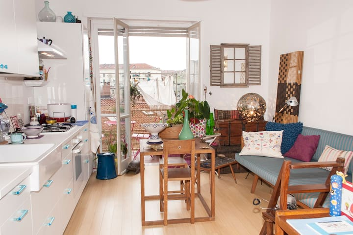 Bohemian Turin flat at 48 euro ! - Turin - Apartment