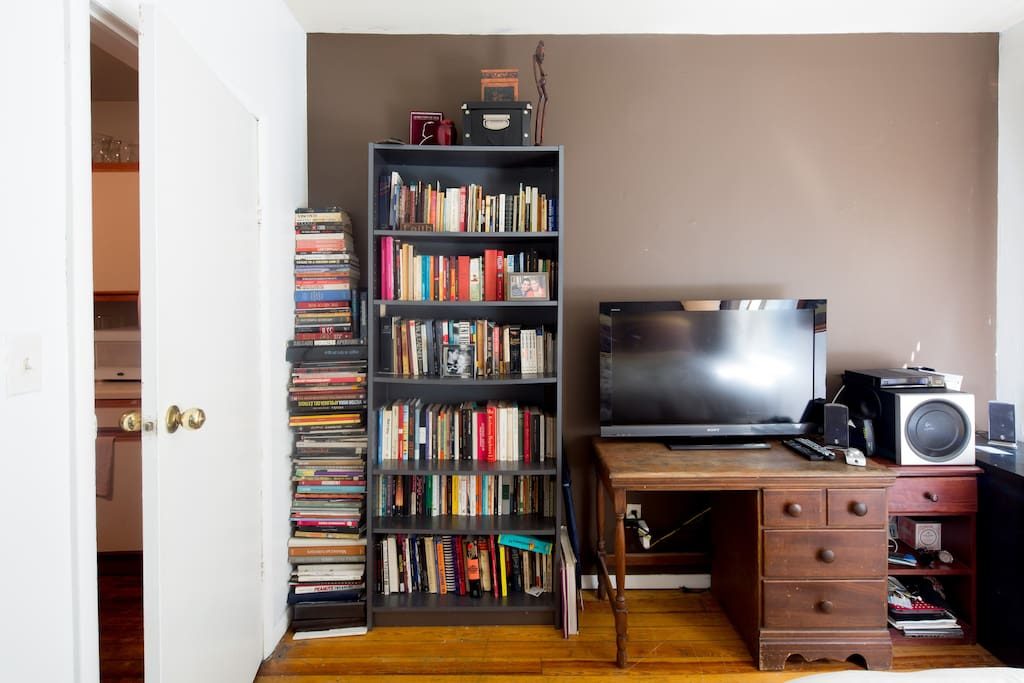 Spacious Private Room -East Village