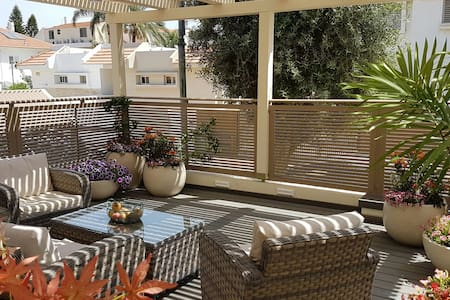 Basement floor, 3 double beds - Ramla