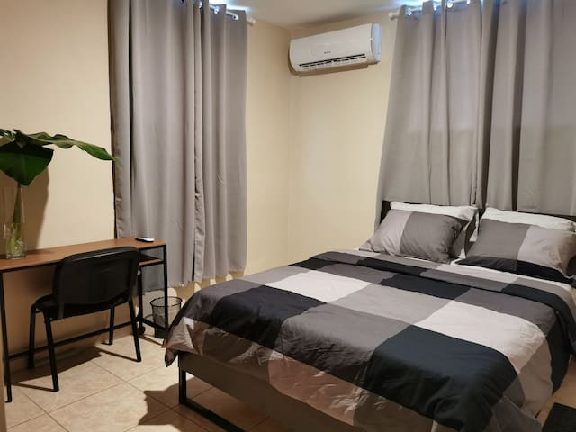 Santo Domingo 1 BR Apt 5 min from Blue Mall, WIFI