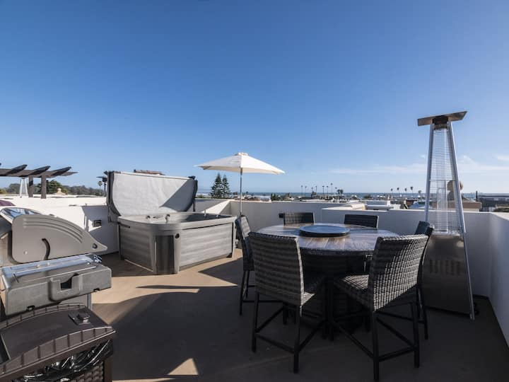 Luxury Condo in Downtown Pismo Beach, Rooftop Spa!
