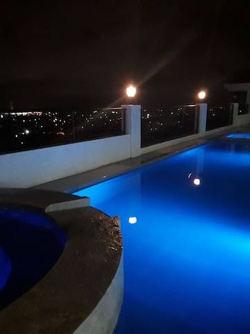 Brand New Fully Furnished 1 Bedroom Unit - Cebu City - Appartement en résidence
