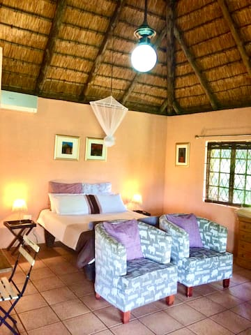 Welcome to the wild Africa, welcome to Grietjie Private Nature Reserve. Enjoy private stay in self contained cottage with a little kitchenette, en-suite bathroom, private barbecue area, veranda with river view and access to a big swimming pool.