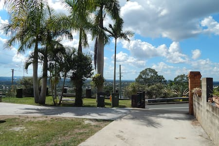 Quite place with great views. - Beenleigh - 公寓