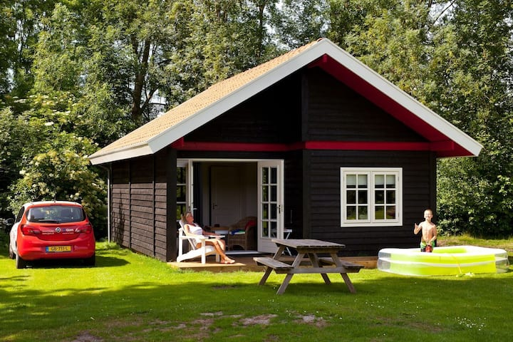 Cozy chalet with pallet stove
