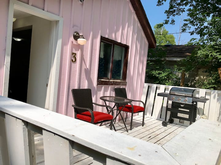 #3 The pink cottage , rustic fully renovated