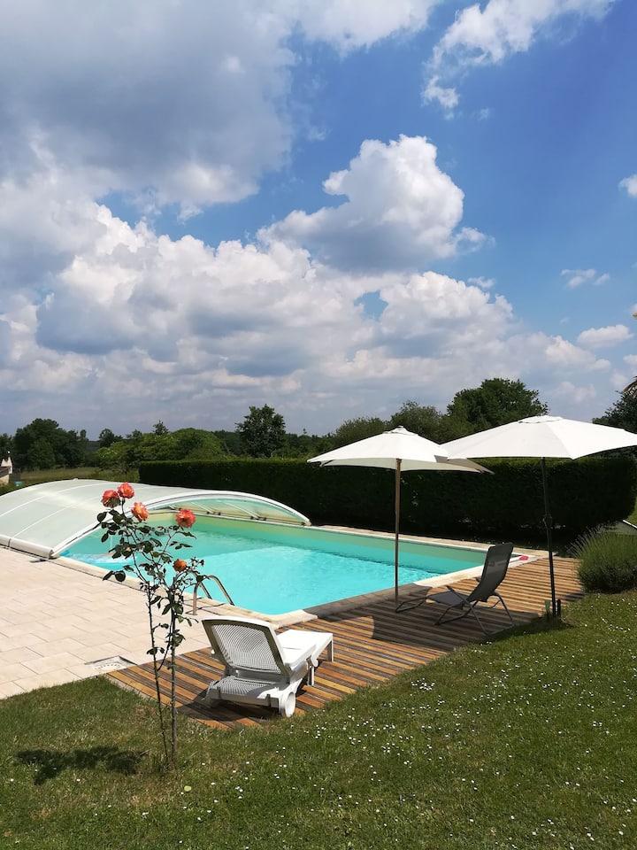 Gîte tout confort avec piscine proche de Bergerac