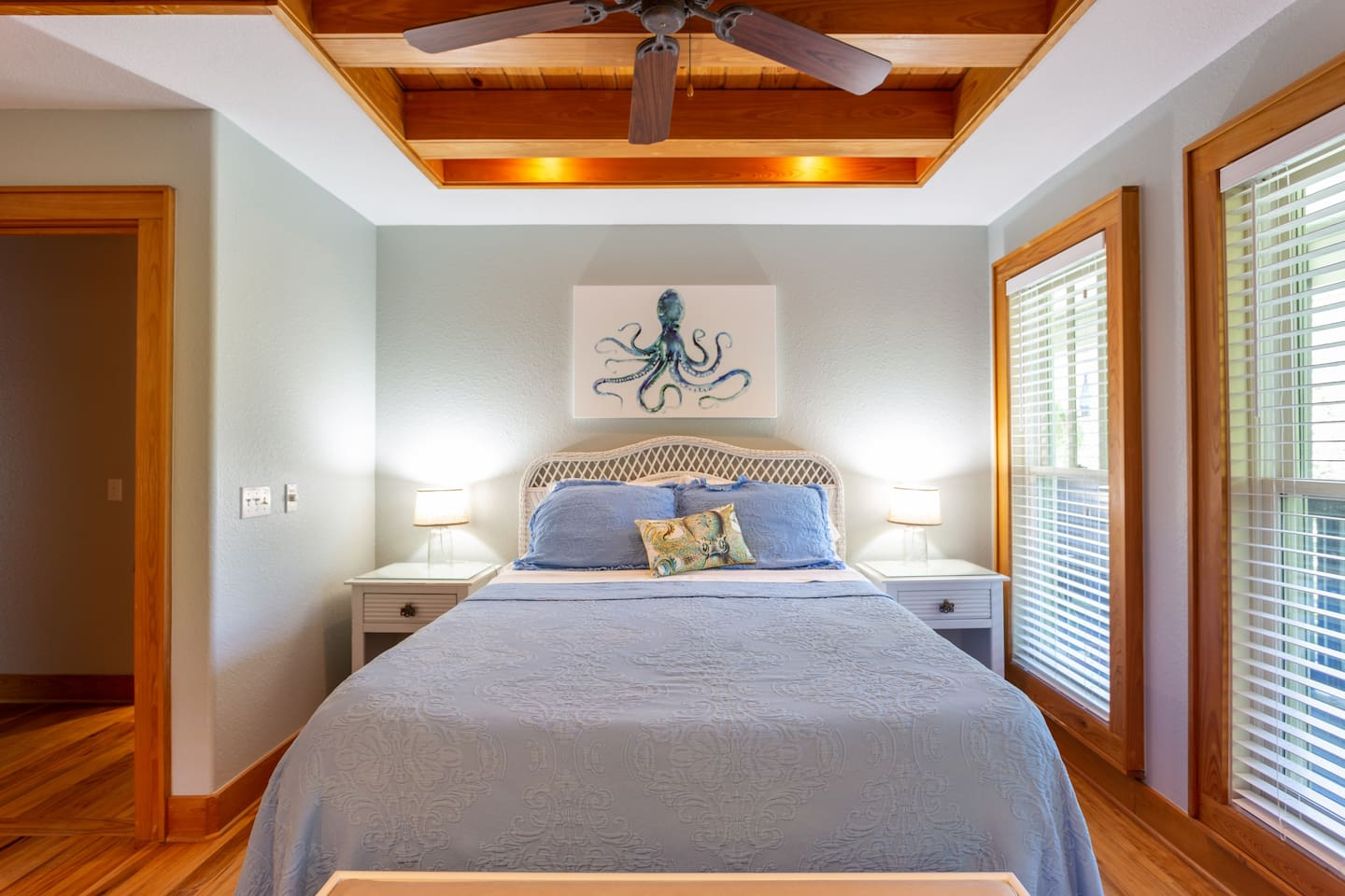 Hidden Gem- private upstairs master bedroom in large shared home with comfortable queen size bed.