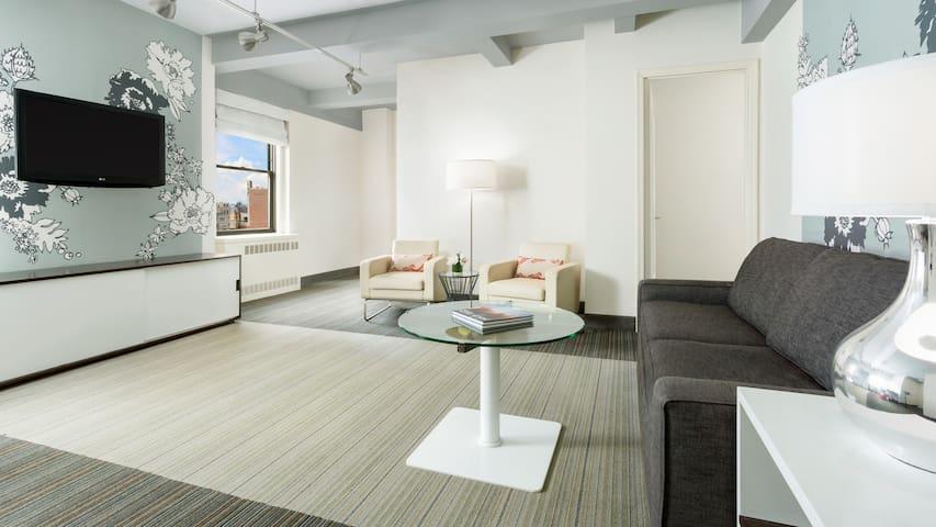 Huge Two Bedroom Suite in the Heart of New York