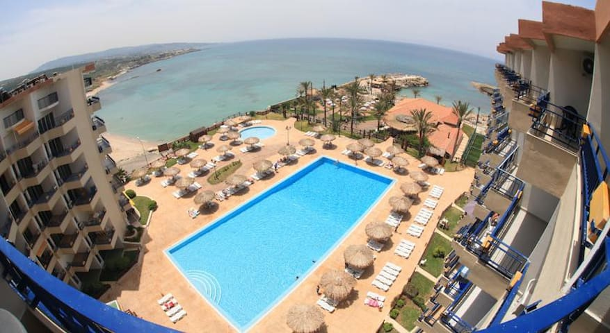 Sea View Chalet/BEACH RESORT,central BATROUN - Batroun