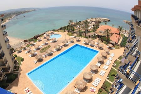 Sea View Chalet/BEACH RESORT,central BATROUN - Batroun  - Chalé