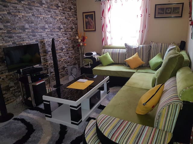 Cosy one bedroom Ample parking. - Nairobi