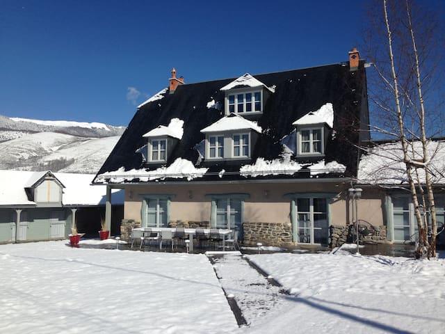 maison arreau hautes pyrénées - Arreau - House