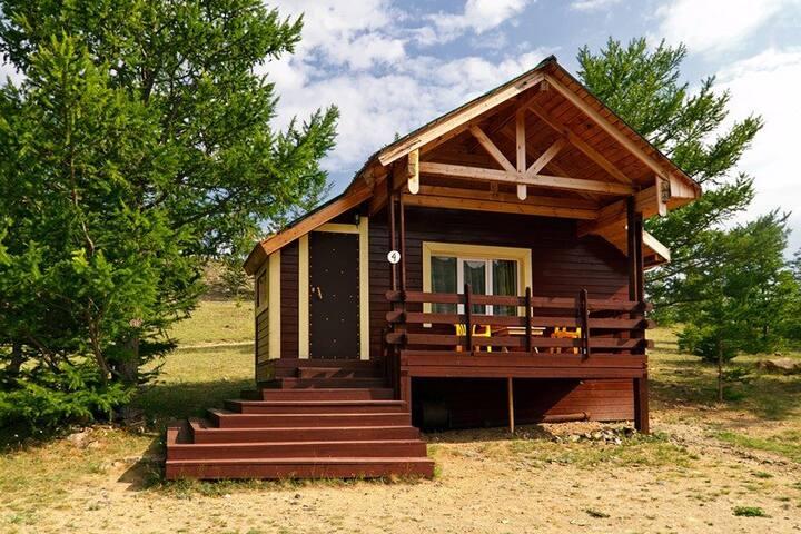 Дома и номера с видом на озеро Байкал