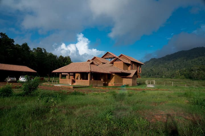 Nature Escape In Virajpet