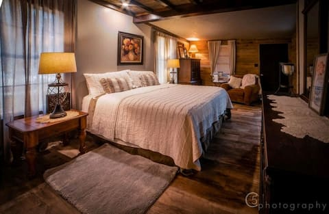 Madrona Ranch Homestead | Private | Hill Country