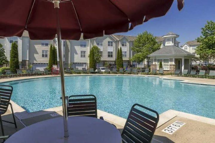 Great location, full privacy & amazing amenities