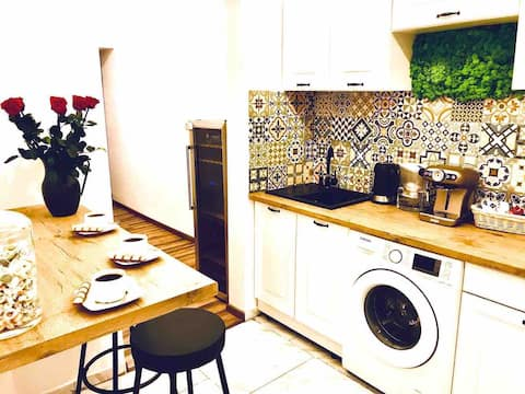 Topolove - cosy single room by the Railway Station