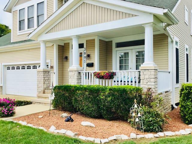 Beautiful Bloomington Home Close to IU