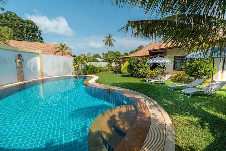 Dreamland Villa 2BR + Private Pool & Large Garden