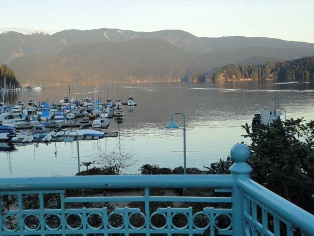 Deep Cove Condo - North Vancouver - Appartement