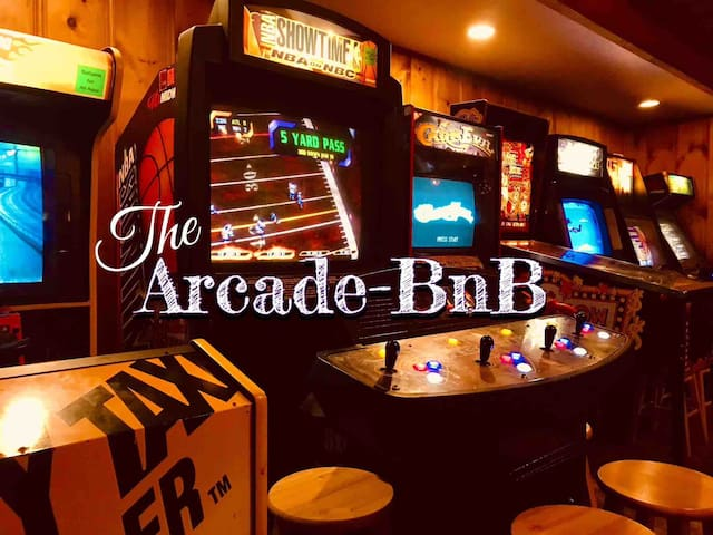 The Arcade-BnB - Relax, Sleep, Play!