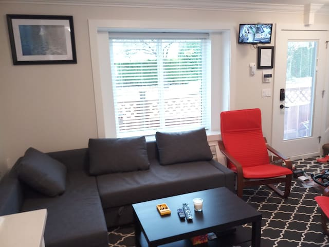 Brand New 2BR 2WR Laneway House in Vancouver BC.