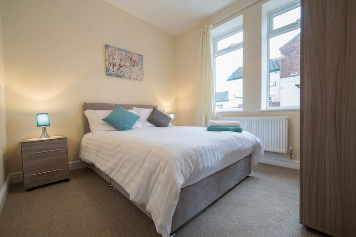 Beck House a spacious home from home 2  bedroom apartment close to the town centre
