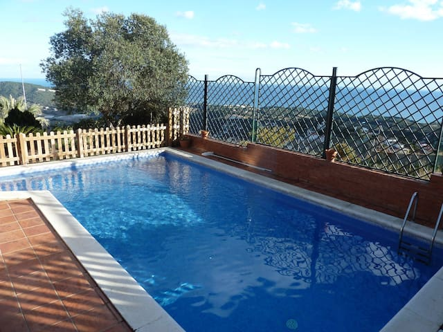 VILLA EL CASTAÑO BARCELONA, PRIVATE POOL - Canet de Mar - Casa