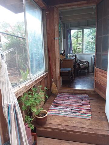 Writer's Retreat;   Special Rate, Monthly only.