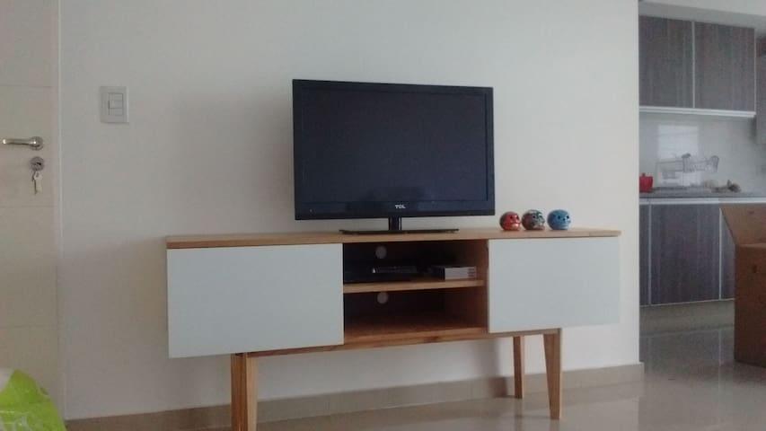 Luminoso y funcional departamento con parrilla - Lomas de Zamora - Appartement