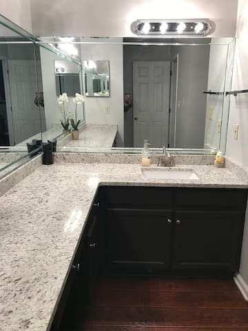 Heart of Buckhead with private ensuite bath