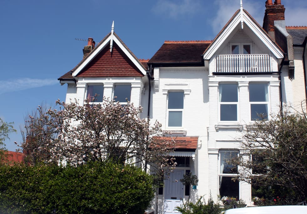 Family house in central brighton houses for rent in for Brighton house